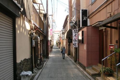 20130928 浜松街中にて 小路を行くubazakuraさん