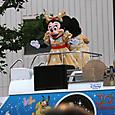 20130505 デイズニーランドキャラクターのパレード4
