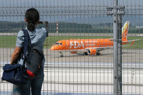 20130907 カメラマンと旅客機