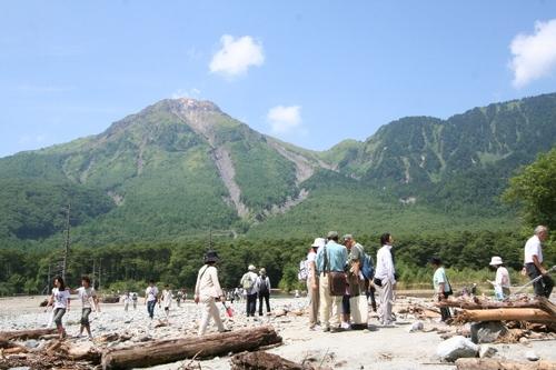 080813撮影 大正池から見た焼岳