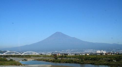 2011/10/29撮影 新幹線から見た富士山