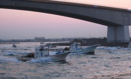 2009/4/29 朝5:01 浜名湖今切れ口