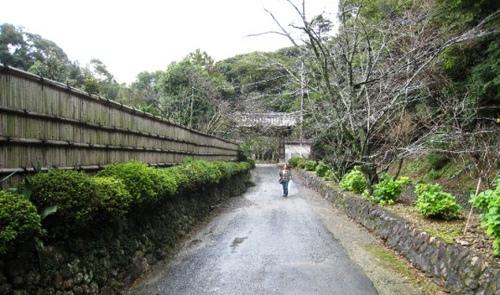 2011/10/22撮影 摩珂耶寺入口
