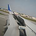 2010403_那覇空港着陸時、逆噴射ですね!